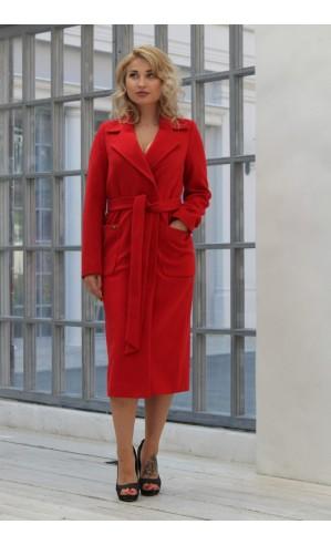 Красное пальто с запахом