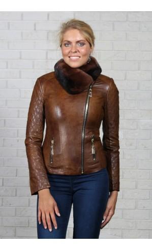 Женская куртка на молнии из экокожи