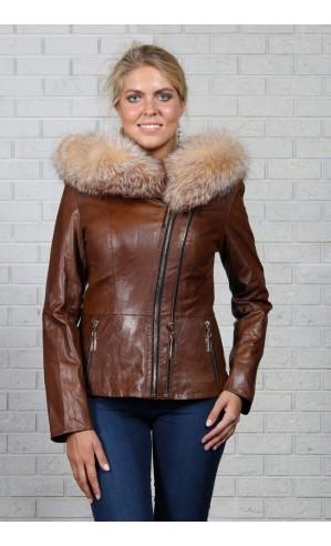 Женская куртка на молнии с меховым капюшоном